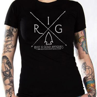 "Women s ""RIGA Arrow"" T-Shirt – Rust is Gold Antiques 76922f21ff9"